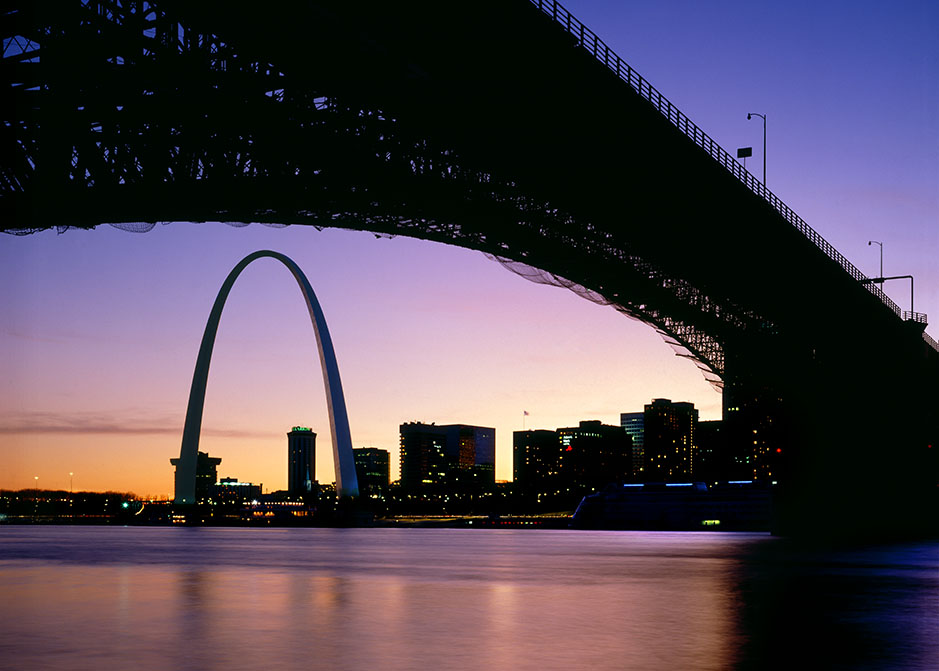 /product//the-arch-and-eads-bridge-sunset/