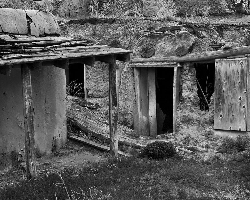 /product//abandoned-adobe-dwelling-ranchos-de-taos-new-mexico-2009/