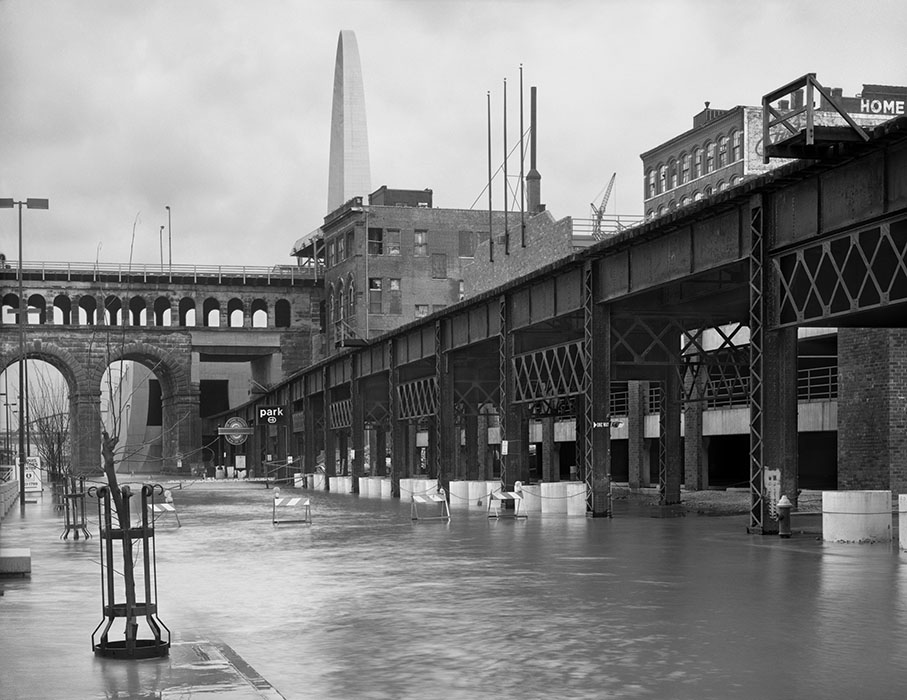 /product//arch-wharf-street-lacledes-landing-flood-of-1985/
