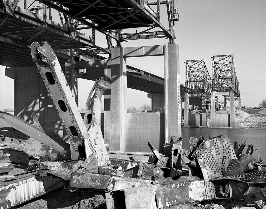 /product//demolition-of-the-old-i-270-bridge-2016/