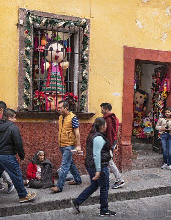 /product//street-scene-25-san-miguel-de-allende-mexico-2019/