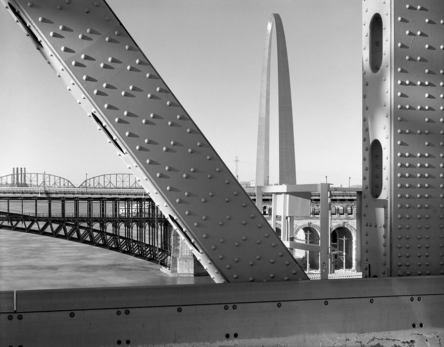 /product//arch-and-eads-bridge-from-the-martin-luther-king-bridge-2019/