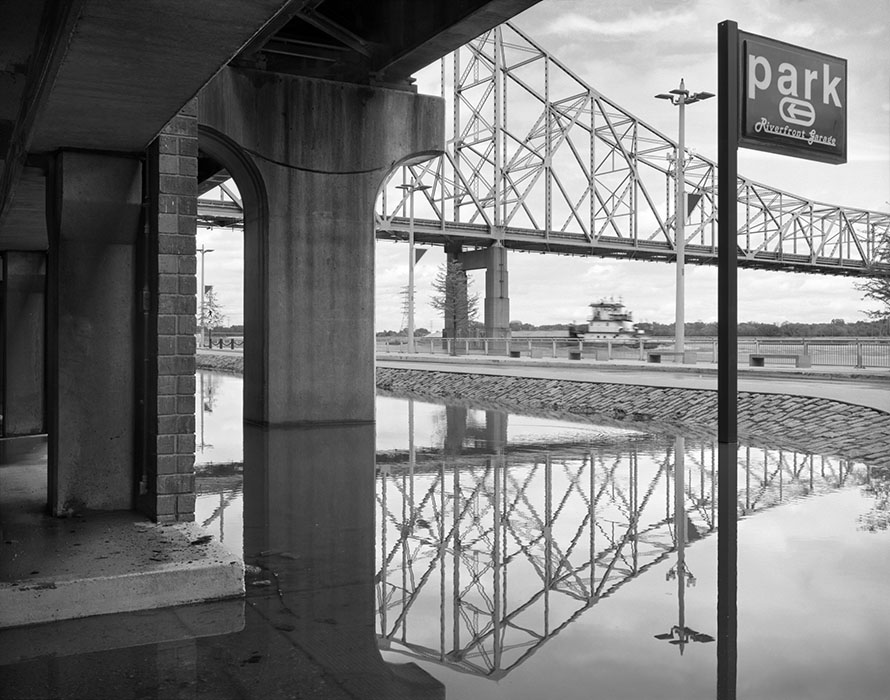 /product//riverfront-garage-martin-luther-king-bridge-flood-of-2019/
