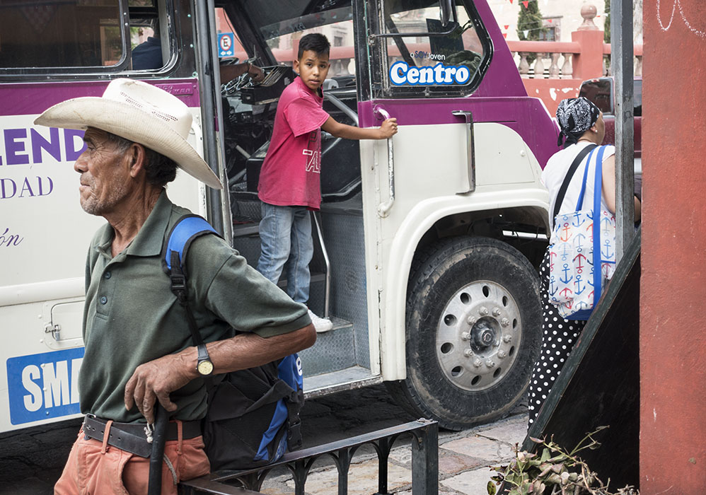/product//bus-stop-3-san-miguel-de-allende-mexico-2019/