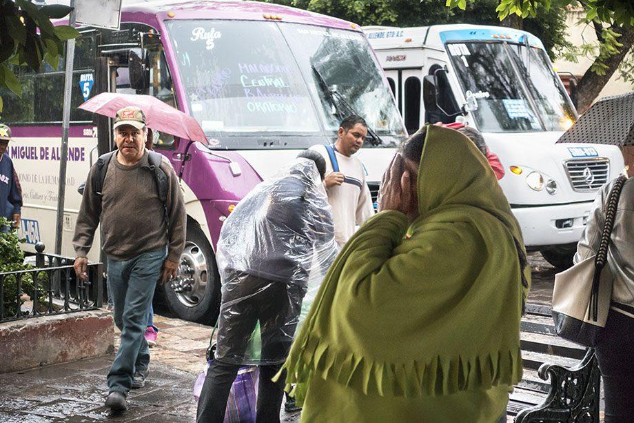 /product//bus-stop-dawn-rain-san-miguel-de-allende-mexico-2019/
