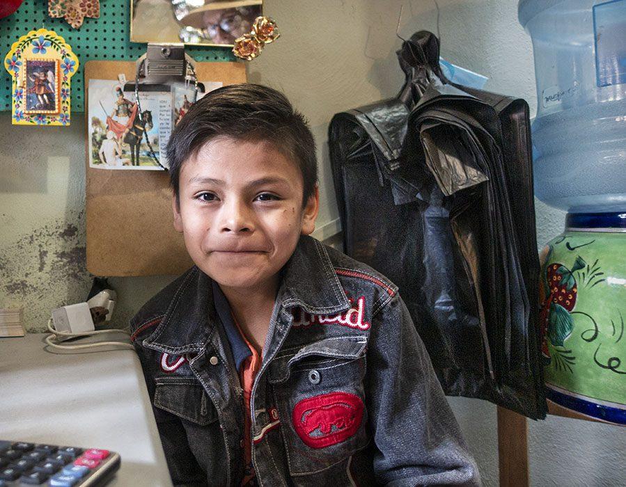 /product//young-boy-mercado-de-artesians-san-miguel-de-allende-mexico-2019/