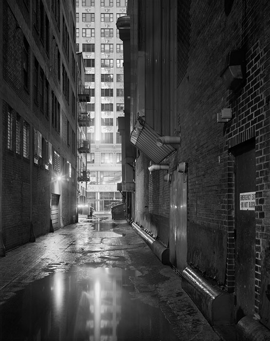 /product//alley-near-11th-and-locust-2-night-rain-2020/