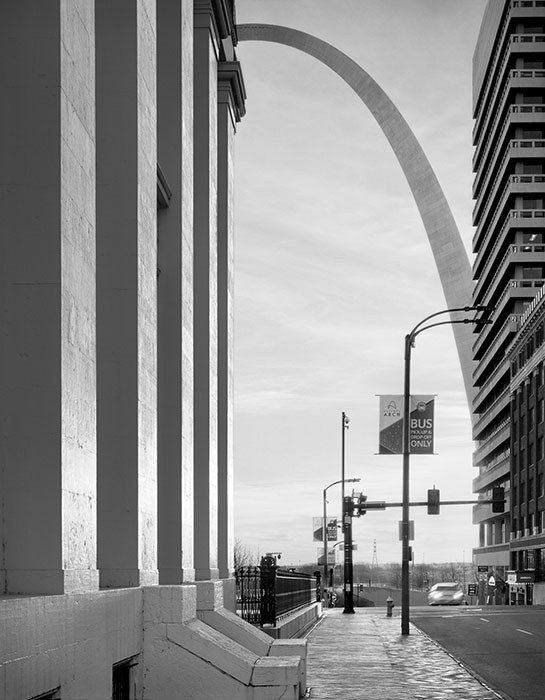/product//the-old-courthouse-and-the-arch-sunrise-2020-2/