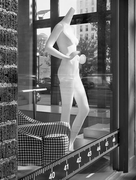 /product//mannequin-fashion-fund-boutique-washington-avenue-2020/