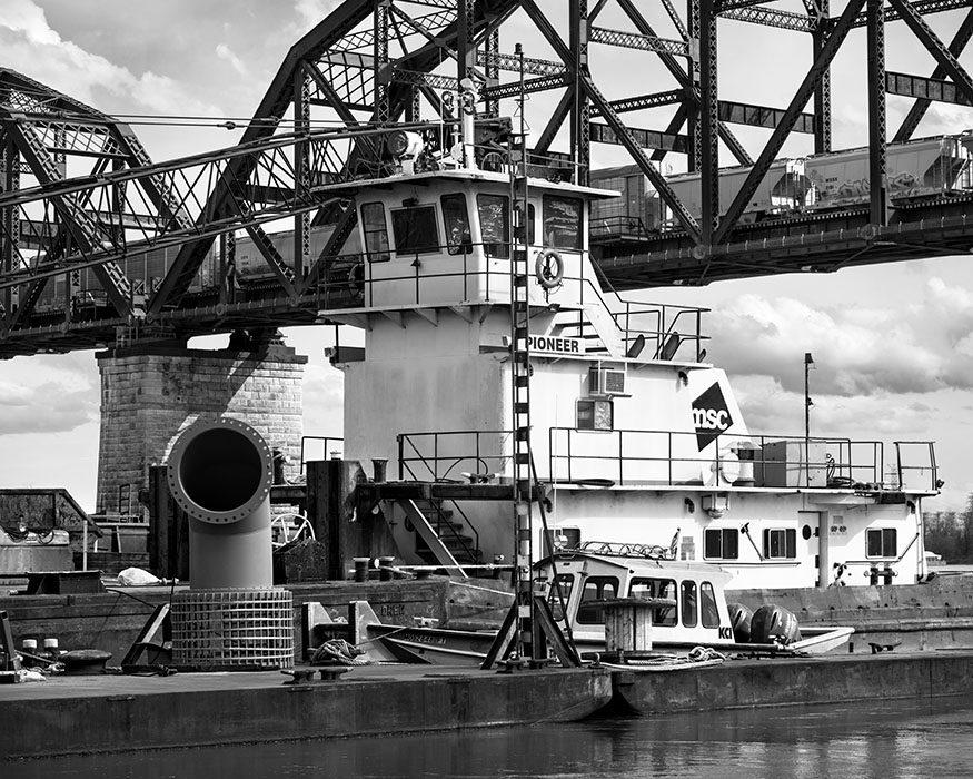 /product//tow-boat-barges-macarthur-bridge-chouteaus-landing-2019/