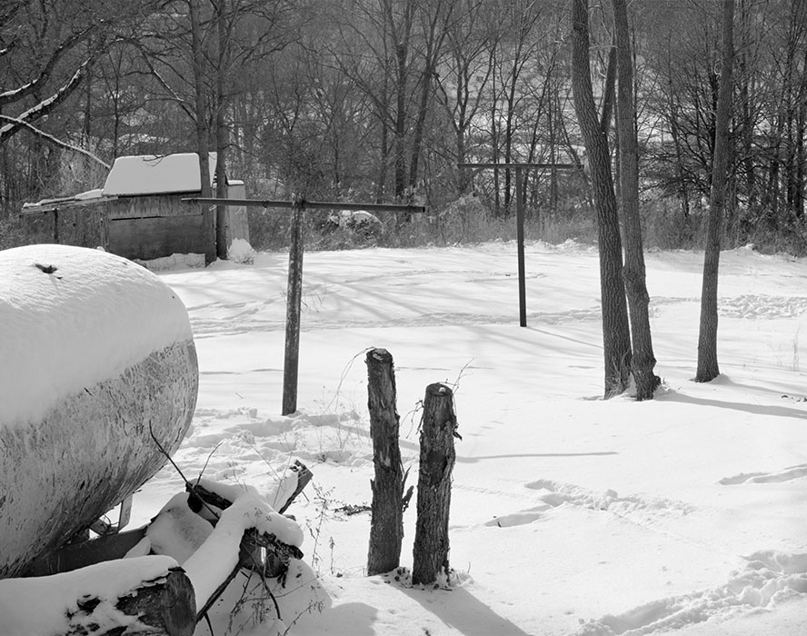 /product//backyard-scene-winter-makanda-illinois-1982/