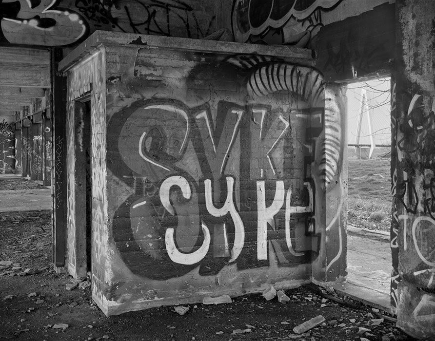 /product//freight-depot-graffiti-stan-musial-memorial-bridge-2021/