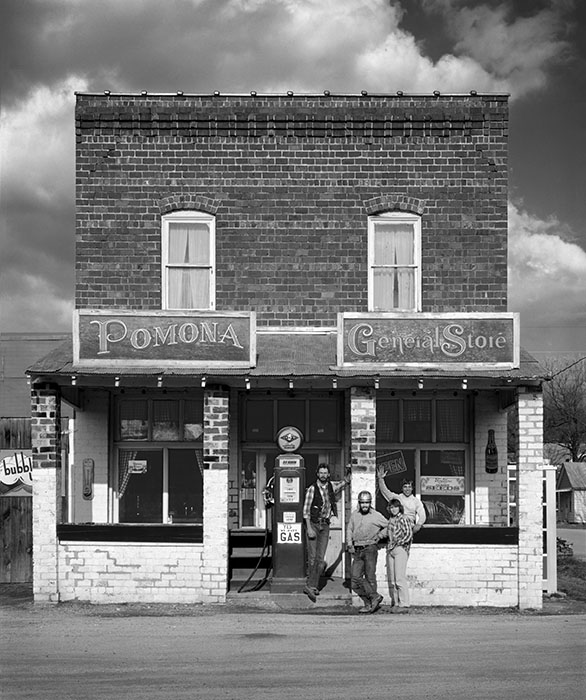 /product//pomona-general-store-pomona-illinois-1982/